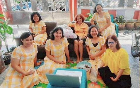 Teilnehmerinnen an der Ausbildung für Leitungsaufgaben in Kirche und Gesellschaft