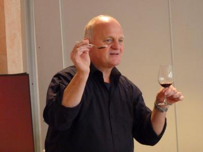 Martin Darting präsentiert Sensorik und PAR auf Sommerfest zwischen Wein, Kunst und Literatur
