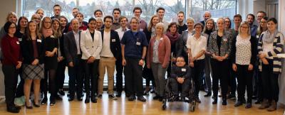 Im InnovationsCentrum Osnabrück tauschten sich die etwa 50 Doktorandinnen und Doktoranden von drei Hochschu-len über ihre Forschungsarbeiten aus