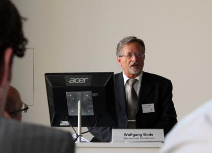 Wolfgang Bode betreut die Masterstudierenden am Standort Osnabrück