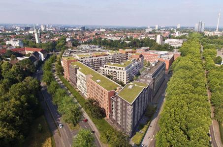 Quartierüberblick aus Vogelperspektive, behome-Apartments im Vordergrund links (REVITALIS/ cube Visualisierungen)