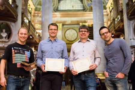 Freuen sich über die Auszeichnung: Dr. Thomas Layer, Dr. Michael Fink, Dipl. math. Georg Mackenbrock, Michael Sprinzl, BSc (v.l.n.r.)