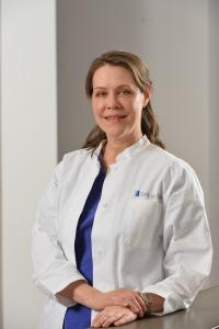 Dr. Helga Henseler, Fachärztin für Plastische und Ästhetische Chirurgie der Klinik am Rhein in Düsseldorf