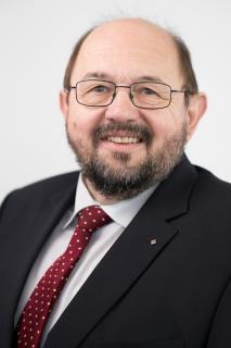 Foto (VGL Bayern): Gerhard Zäh, Präsident des VGL Bayern, zeigt sich erfreut über die aktuell stabile Branchensituation im bayerischen Garten- und Landschaftsbau.