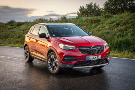 "Convincing contender: The new Opel Grandland X is one of six finalists for the AUTOBEST ""Best Buy Car of Europe in 2018"" award"