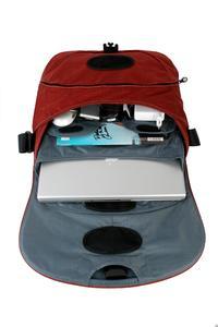 Schützendes Laptopfach mit herausnehmbarem gepolstertem Laptop pouch