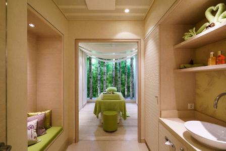 ein feuerwerk der extravaganten ideen klafs gmbh co. Black Bedroom Furniture Sets. Home Design Ideas