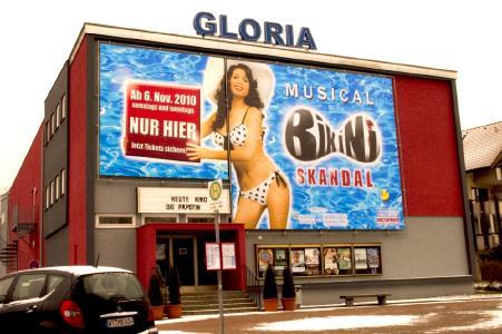 Gloria in neuem Outfit