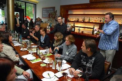 Super Stimmung bei der Eröffnung der WeinEntdeckerwoche in Rusts Weinbar, Foto: www.deutscheweine.de