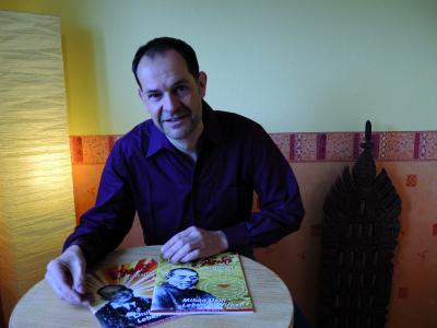 """Reiki Lehrer Oliver Drewes stellt sich den """"11 Fragen"""" des Reiki-Magazins."""