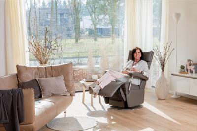 In einem Relaxsessel man sich nach einem langen Arbeitstag ganz entspannt zurücklehnen. Bild: AGR/Wellco