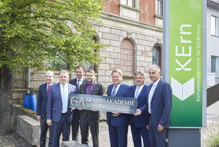 Staatsminister Helmut Brunner eröffnet die Genussakademie Bayern am KErn in Kulmbach