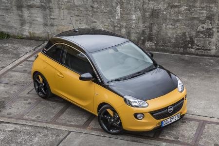 Unverwechselbar: Beim Opel ADAM BLACK JACK sind Dach, Außenspiegel und Motorhaube erstmals einheitlich im eleganten Onyx Black lackiert