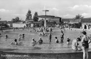 Improvisierter Badebetrieb in Füssing Mitte des letzten Jahrhunderts. Der Traum vom Prädikat
