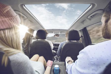 X-tra luftig: Mit dem optionalen Panoramadach lässt sich das hervorragende Raumgefühl im Opel Crossland X weiter steigern