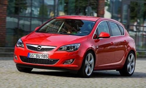 Opel präsentiert mit dem Astra und dem Meriva auf der Internationalen Funkausstellung (IFA) vom 3. bis zum 8. September in Berlin zwei Siegerautos des Plus X Award 2010