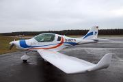 """Das Ultraleichtflugzeug vom Typ FA 01 """"Peregrine"""" wurde von der Fläming Air GmbH Oehna gebaut und für die speziellen Belange der Hochschule modifiziert. Die zweisitzige Maschine mit einer Länge von 6,12 m und einer Spannweite von 9,60 m wird u.a. in den Lehrveranstaltungen """"Experimentelles Fliegen"""", """"Aerodynamik"""" und"""" Flugmechanik"""" eingesetzt, um die in den Vorlesungen vermittelten theoretischen Inhalte durch Flugversuche zu ergänzen / Fotograf / Quelle: TH Wildau / Bernd Schlütter"""