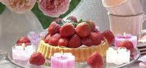 Erdbeeren und Kerzen - eine verführerische (Deko-)Liaison
