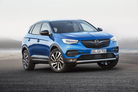"""Unwiderstehlich: Der neue Grandland X nimmt eine Schlüsselrolle in der Opel-Produktoffensive """"7 in 17"""" ein. Im aktuellen Jahr bringt Opel so sieben neue Fahrzeuge auf den Markt"""