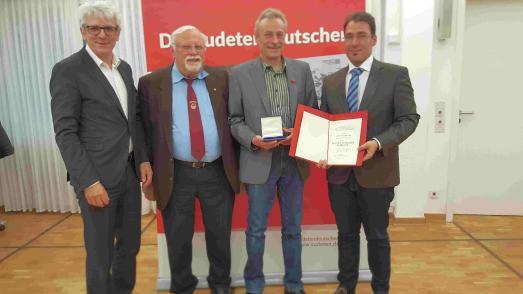 Sudetendeutscher Hallengeist mit Rudolf Lodgman Plakette geehrt