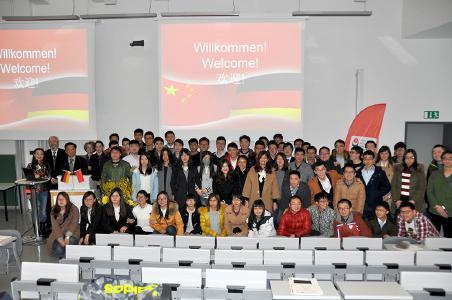 FH Lübeck und ECUST verabschieden zehnten Jahrgang des Deutsch-Chinesischen Studienmodells mit erstem Alumnitreffen