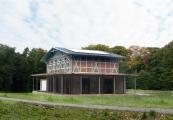 Die 1888 errichtete Waldhalle gilt seit jeher als Anziehungspunkt für Wanderer und Spaziergänger, die den Nationalpark Jasmund durchqueren (Bild: BFS / Nationalpark-Zentrum Königsstuhl / Karsten Bartel / Lehmann)