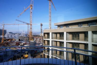 Alles bestens: Seit dem Frühjahr 2017 sind die vier vorbildlich energiesparenden Neubauten des BV Freistil in München-Schwabing bis auf wenige Restarbeiten fertig. Foto: delaossaarchitekten, München; www.delaossa.de