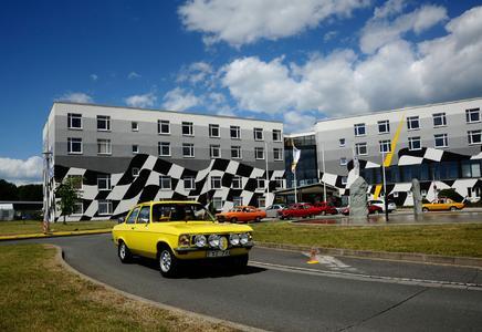 Jahr für Jahr: Die Opel-Fans präsentieren ihr Schätzchen während des Treffens vom 29.05. bis 02.06.2013 auf Hochglanz poliert