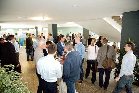 """: Über 100 Teilnehmerinnen und Teilnehmer aus der Wirtschaft und Wissenschaft kamen zur  16. Fachtagung """"Fortschritte in der Kunststofftechnik"""" an der Hochschule Osnabrück"""