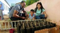 Baumpflanzaktion von Schülern in Brasilien