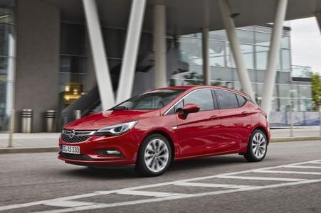 Compact connectivity: Opel OnStar with 4G LTE Wi-Fi Hotspot is available across Opel's passenger car range – including the new Astra (photo)