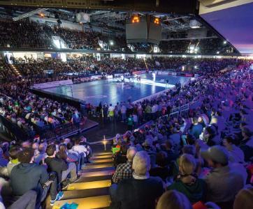 Die HCE-Handballfans freuen sich auf das nächste Heimspiel gegen Lemgo / Bild: Jocki_Foto, Erlangen