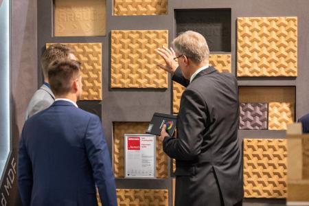 """Sonae Arauco wurde für seine dreidimensionale Faserplatte 3DF mit dem interzum award: intelligent material & design 2019 in der Kategorie """"Hohe Produktqualität"""" ausgezeichnet"""