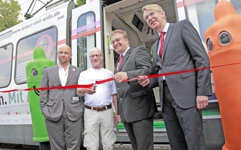 """Stadtbahn wirbt für """"gesunden"""" Umgang mit Aids"""