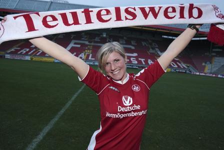 Debby Reuter ist neue Stadionsprecherin beim FCK - Betzenberg mit einziger weiblichen Stimme in der Bundesliga