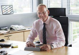 Nahbar: Opel-Chef Dr. Karl-Thomas Neumann ist einer der führenden Automobilexperten bei Twitter und jetzt auch bei XING
