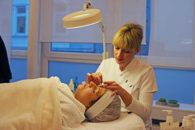 Kosmetikausbildung im Intensivkurs