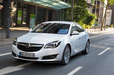 Starkes erstes Jahr: Über 100.000 Bestellungen für den neuen Opel Insignia seit Markteinführung 2013