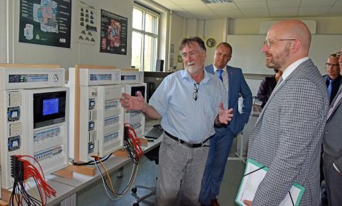 Handwerk 4.0: Staatssekretär Thomas Kralinski würdigt Fortschritte des Handwerks auf dem Weg in die Digitalisierung - Handwerkskammer und Partner unterstützen Unternehmer / Bildnachweis: HWK Potsdam/Weitermann