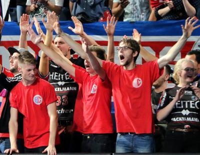 Am Ende musste sich der HC den Löwen geschlagen geben (Foto :HJKrieg, hl-studios, Erlangen)