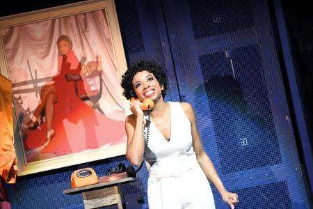 """Aalto-Musical-Produktion """"Yesterdate"""", das die Sopranistin Christina Clark in der Rolle der Penny zeigt (Foto: Matthias Jung)"""