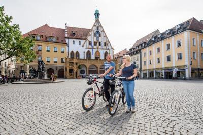 Radler am Marktplatz in Amberg / Florian Trykowski
