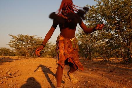Andrea Pérez Mora berichtet von den Erlebnissen ihrer Reise bei den indigenen Völker Namibias (Foto: Lisa Streeb)
