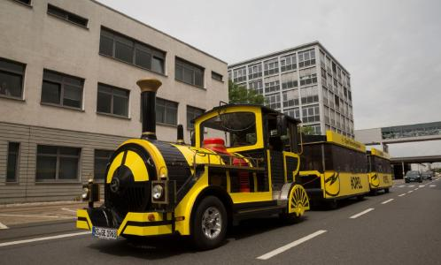 Großer Auftritt: Eines der Opel-Highlights ist die Hessentagsbahn, die an jedem Veranstaltungstag kostenlos für die Besucher zur Verfügung steht
