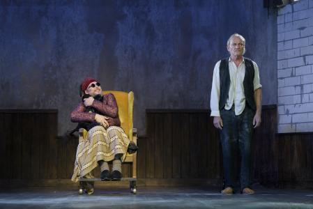 """Premiere """"Endspiel"""" von Samuel Beckett in der Inszenierung von Axel Vornam / FOTOGRAF: CANDY WELZ"""