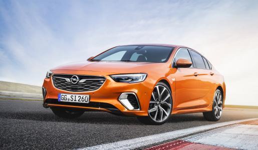 Absoluter Eyecatcher: Der neue Opel Insignia GSi zeigt schon mit seinem Design, was die Kunden erwarten dürfen – eine sportliche Fahrmaschine ohne Kompromisse