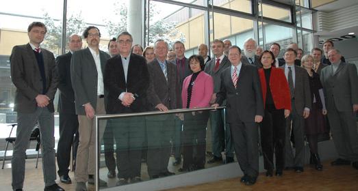 Das Präsidium der Fachhochschule Osnabrück begrüßte neue Professoren und verabschiedete sich v. Kolleg. der Prof.. Prof.Dr.H. Hansen (2.v.r.) beginnt jetzt gemeinsam mit 13 neuen Kollegen ihre Lehr- und Forschungstätigk an der FH Osnabrück