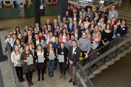 119 Studierende der Hochschule Osnabrück freuen sich über ihr Landesstipendium / Foto: Swaantje Hehmann