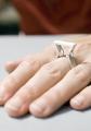 Basierend auf dem Design des Förderturm-Ring hat Kirsten Jankowski, eine Schmuckkollektion mit Manschettenknöpfen, Hals-, Ohrschmuck, Schlüsselanhängern und Stick Pins entworfen / Foto: Markus Milde
