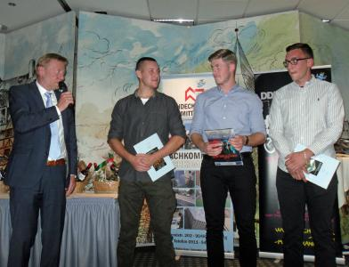 Glückwünsche zu Bestleistungen von Obermeister Kay Preißinger gab es für Lukas Janowski, Michael Piringer, Yannik Kuhle (v. li.)
